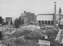 XIV-419-12-00-05-01-3 De bouw van kledingwarenhuis C & A aan de Coolsingel op de hoek Coolsingel - Spinhuisstraat. Op ...