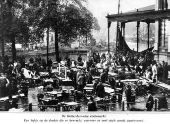 XIV-74 De Zeevischmarkt aan de Blaak.