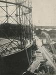 XV-190-2 De gashouder F aan de Lusthofstraat, gezien vanaf de gasfabriek aan de Oostzeedijk.