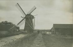 XVI-34-1 De watermolen in de Nieuw Mathenessepolder (gemeente Schiedam).