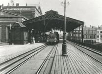 XVII-29-02 Gezicht op Station Beurs aan het Beursplein.