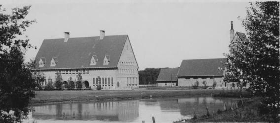 XXI-92-2 Filiaal van de Gemeente Bibliotheek aan de Enk.