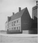 XXII-75-1 U.L.O. school aan de West-Varkenoordseweg.