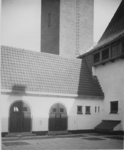 XXII-75-2 U.L.O. school aan de West-Varkenoordseweg.