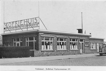 XXIV-76-02 Het koffiehuis van de Volksbond tegen Drankmisbruik aan de Vierhavensstraat 107.