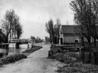 XXXI-288 Bosweg, uit het oosten. Linkerzijde de brug naar de Kortekade.