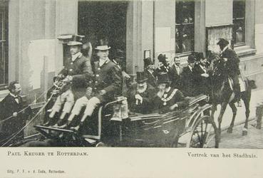 XXXIII-212-4 Paul Krüger vertrekt van het stadhuis aan de Hoogstraat.