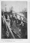 XXXIII-215-6 Bezoek van koningin Wilhelmina en prins Hendrik op de ponton aan de Leuvehaven bij het Willemsplein.