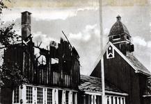 XXXIII-569-39-02-37 Gezicht op het getroffen Noorse kerkje aan de Westzeedijk