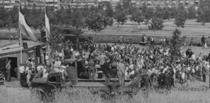 XXXIII-633-01 Oogstfeest in het Park Blijdorp.