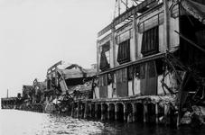 XXXIII-645-00-01-01-01-2 Gezicht in de Rijnhaven met havenverwoestingen veroorzaakt door de Duitse Wehrmacht. Vernielde ...