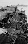 XXXIII-645-00-01-01-01-5 Gezicht in de Rijnhaven met havenverwoestingen veroorzaakt door de Duitse Wehrmacht. Vernielde ...