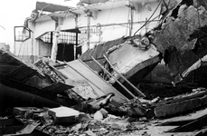 XXXIII-645-00-01-01-01-7 Gezicht aan de Rijnhaven met havenverwoestingen veroorzaakt door de Duitse Wehrmacht. ...