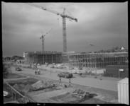 2005-2315-243 De bouw van vier appartementencomplexen aan de Strandweg in Hoek van Holland.