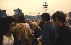 2006-47-005 Diareportage van het Holland Popfestival in het Kralingse Bos (5): overzicht van het festivalterrein.