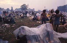 2006-47-006 Diareportage van het Holland Popfestival in het Kralingse Bos (6): overzicht van het festivalterrein; op de ...