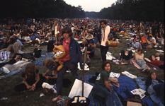 2006-47-032 Diareportage van het Holland Popfestival in het Kralingse Bos (32): overzicht van het festivalterrein