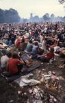 2006-47-039 Diareportage van het Holland Popfestival in het Kralingse Bos (39): overzicht van het festivalterrein.
