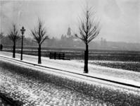 1972-406 Gezicht op het land van Hoboken, met op de voorgrond de Nieuwe Binnenweg en op de achtergrond de Westersingel ...