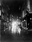 2002-238 Korte Hoofdsteeg bij avond.