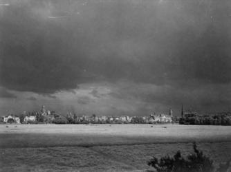 II-74-02-1 Terrein tussen Rochussenstraat, Nieuwe Binnenweg, Westersingel en Westzeedijk. Uit het westen.