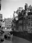 XXV-646-01-02 Gezicht op huizen aan het Steiger, tussen Keizerstraat en Korte Hoogstraat, rechts achterkant van huizen ...