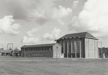 1976-10035 De kerk van de Doopsgezinde Gemeente aan de Noordmolenwerf bij de Galerij.