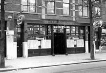 1976-10353 Grand café De Heemraad op nr. 276 aan de zuidzijde van de Nieuwe Binnenweg.