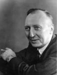 1976-10873,-10874 Twee portretten van Tjerk Elzinga, bekend verzetsman in de Tweede Wereldoorlog. Hij was bekend onder ...