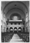 1976-11053 Interieurs van de kerk van de H. Laurentius en Sint-Elisabeth aan de Mathenesserlaan.