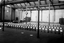 1976-11062 Materiaal van de Algemene Vruchten Import Maatschappij in het Algemeen Verkooplokaal aan de Goudsesingel.