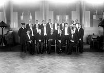 1976-11102 Personeel van café-restaurant Caland aan de Coolsingel.