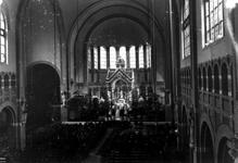 1976-11109 Interieurs van de kerk van de H. Laurentius en Sint-Elisabeth aan de Mathenesserlaan, tijdens ...