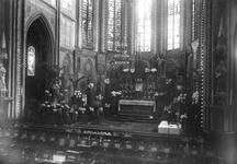1976-11120 Interieur van de Sint-Josephkerk aan de West-Kruiskade.