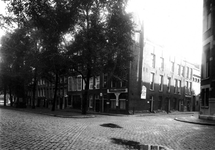 1976-11157 De Gedempte Bierhaven, ter hoogte van de Dwarsbierstraat.