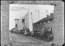 1976-11372 De Ertsstraat ter hoogte van het Rotterdamse koel-en vrieshuis.
