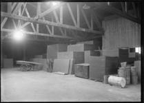 1976-11462 Loods van NV Handel en Agentuur Maatschappij aan de Lloydstraat.