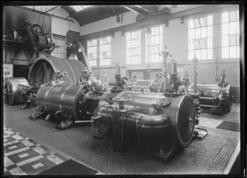 1976-11654 De machinekamer in het interieur van het bedrijfsgebouw Meneba, N.V. Meelfabrieken der Nederlandsche ...