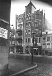 1976-11661 De Gedempte Botersloot, gezien vanaf de Kalverstraat.