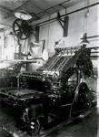 1976-11833 Interieur van drukkerij Arps & Zoon aan de Grotemarkt.