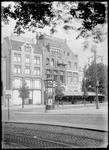 1976-11870 Glas- en porceleinwarenhuis Jungerhans (links) en café-restaurant Caland aan de Coolsingel.