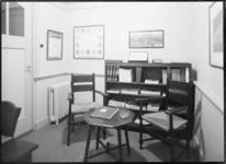 1976-12008 Het kantoor van de Marathon Staalmaatschappij aan de Eerste Middellandstraat nummers 111-115.