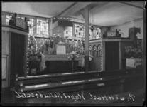 1976-12019 Het koor van de in 1921 gestichte kapel van de Minderbroeders Capucijnen in de Rechthuislaan 50a in ...