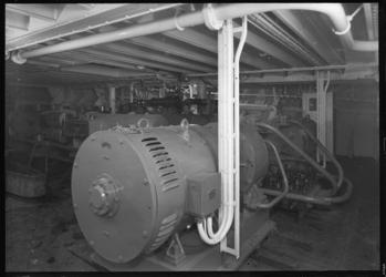 1976-12075 De fabriek en werkplaats van nv mij tot staal-en ijzerbewerking v/h M.J. Korpershoek aan de Brielselaan.