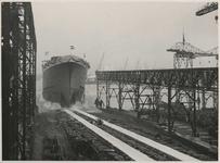 1976-14403 Tewaterlating van een schip bij de Rotterdamsche Droogdok Maatschappij.