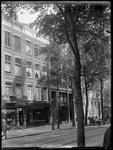 1976-4216 Winkelpanden. Dameskapsalon van M.J. Niël aan de Witte de Withstraat.