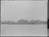 1976-4244 Scheepswerf de Bode bij Krimpen aan den IJssel.