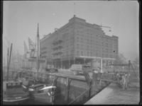 1976-4790 Het pakhuispand De Eersteling aan de Rijnhaven o.z..