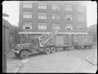 1976-5346 Het transportbedrijf Nijman in Delfshaven. Nijman Tansport Verhuizingen Meubelopslag.