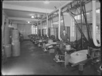 1976-6220 De afdeling verpakkingsmateriaal van de soda- en chemicaliënfabriek van Kortman en Schulte aan de Achterhaven 48.
